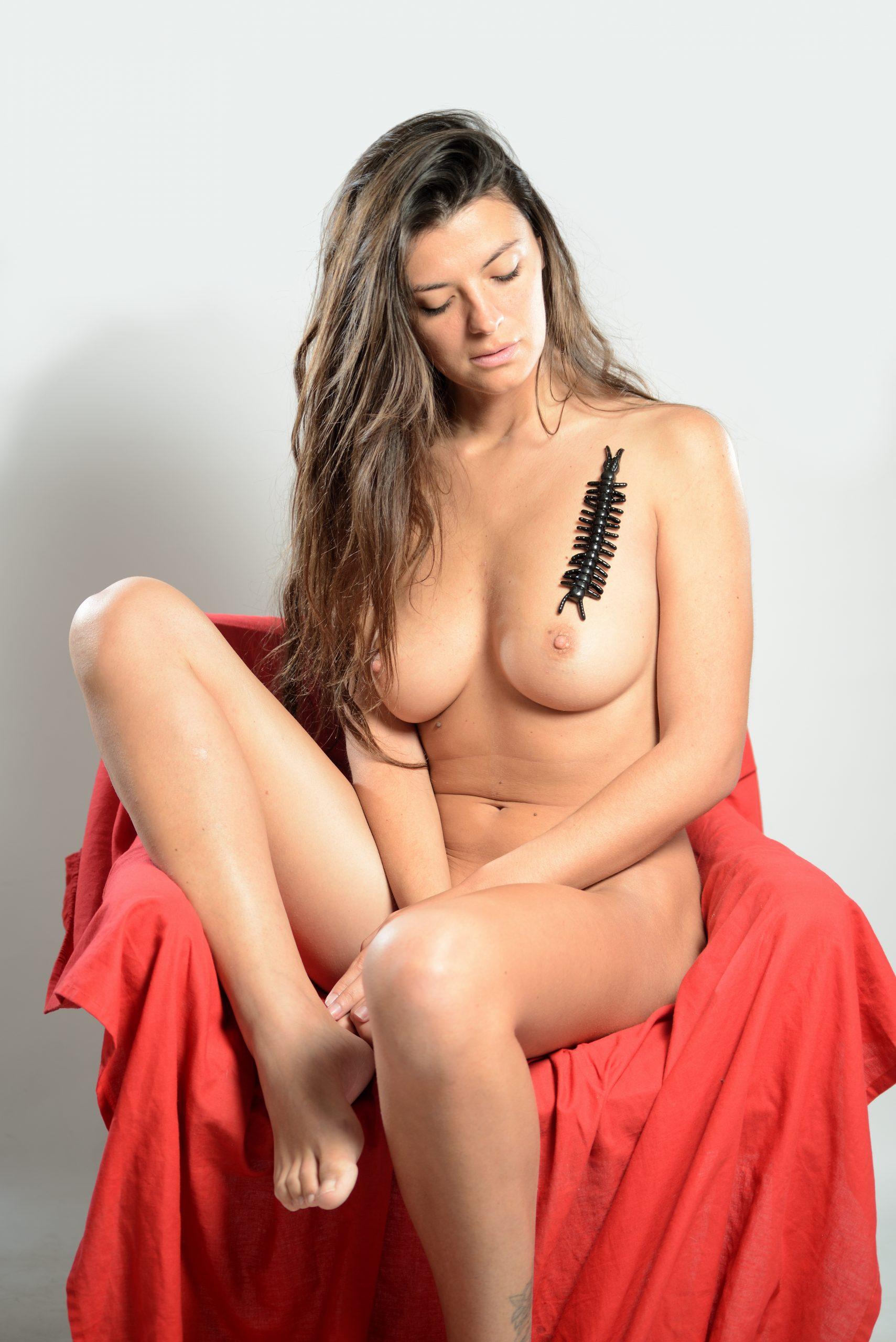 michela maridati a seno nudo