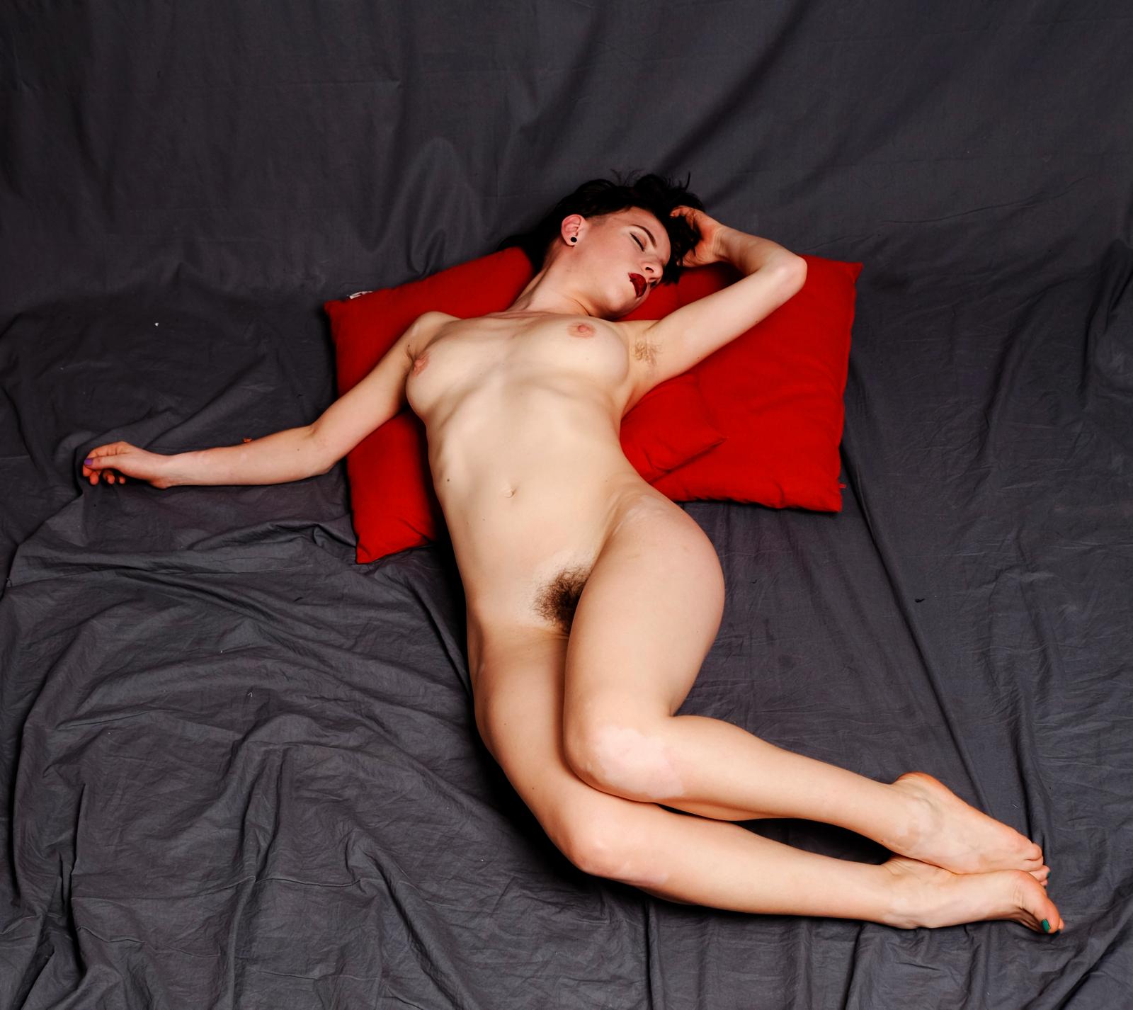 Arazatah nude.