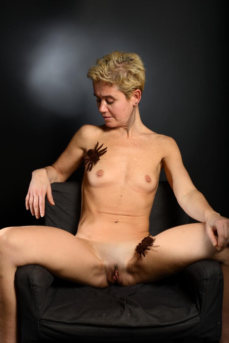 mature woman open legs