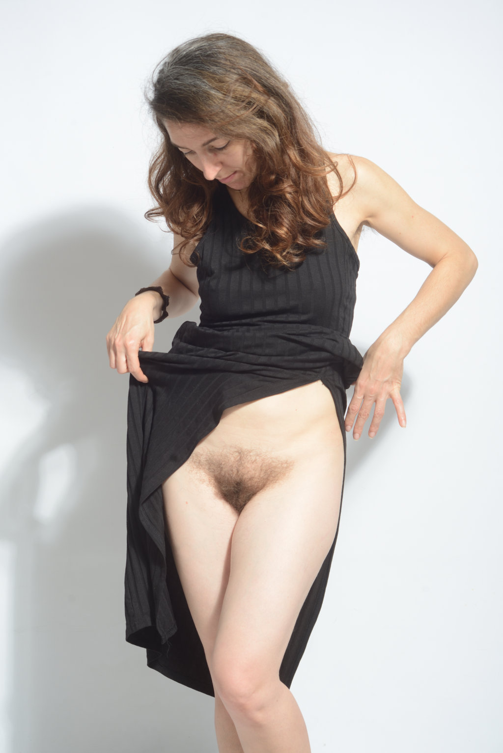 mature woman bottomless with hairy bush
